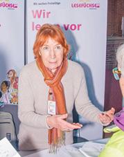 Angela Kraus erzählt vom vorlesen. Foto: Klaus Weißenberg